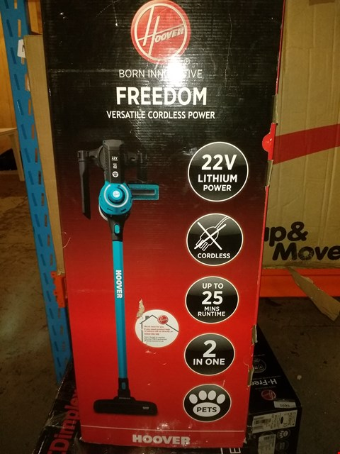 Lot 1679 HOOVER FREEDOM 2-IN-1 PETS CORDLESS STICK VACUUM CLEANER