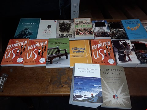 Lot 186 LOT OF APPROXIMATELY 20 ASSORTED BOOKS TO INCLUDE THE DEFINITION OF US SARAH HARRIS, DERREN BROWN HAPPY AND HEAR MY CRY ECT