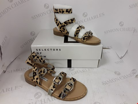 Lot 894 BOXED PAIR OF BRONX LEOPARD PRINT SANDALS SIZE 39