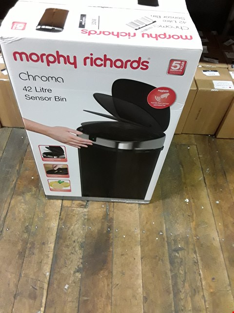 Lot 3268 BRAND NEW MORPHY RICHARDS CHROMA BLACK 42 LITRE SQUARE SENSOR BIN RRP £69.00