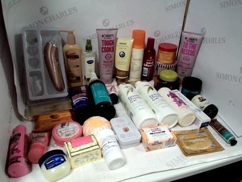 Lot 11081 LOT OF ASSORTED HEALTH & BEAUTY PRODUCTS TO INCLUDE: NOUGHTY SHAMPOO, EPSOM SHOWER GEL, AUSSIE MEGA SHAMPOO, ASSORTED BATHROOM & COSMETICS PRODUCTS