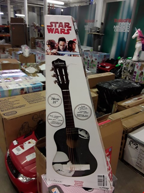Lot 2183 ACOUSTIC GUITAR STAR WARS 31 INCH  RRP £45