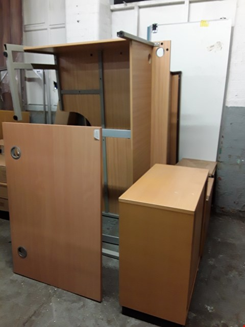 Lot 7251 LOT OF 7 ASSORTED OFFICE FURNITURE ITEMS INCLUDES 4 DESKS AND 3 DRAWERED CABINETS