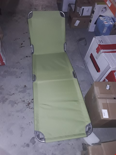 Lot 10889 GRADE 1 BOXED BRIGHTON SUNLOUNGER - LIME (1 BOX) RRP £30.00