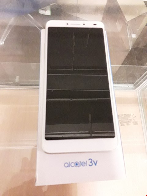 Lot 145 BOXED ALCATEL 3V SPECTRUM GOLD MOBILE PHONE