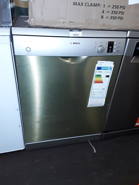 Lot 12017 BOSCH SERIE 2 ACTIVE WATER SMS25AI00G 12 PLACE FREESTANDING DISHWASHER - SILVER