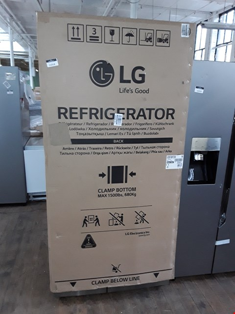 Lot 11018 LG GSB760PZXV AMERICAN STYLE FROST FREE FRIDGE FREEZER