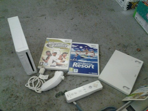 Lot 383 NINTENDO WII GAMES CONSOLE WITH 3 ASSORTED GAMES