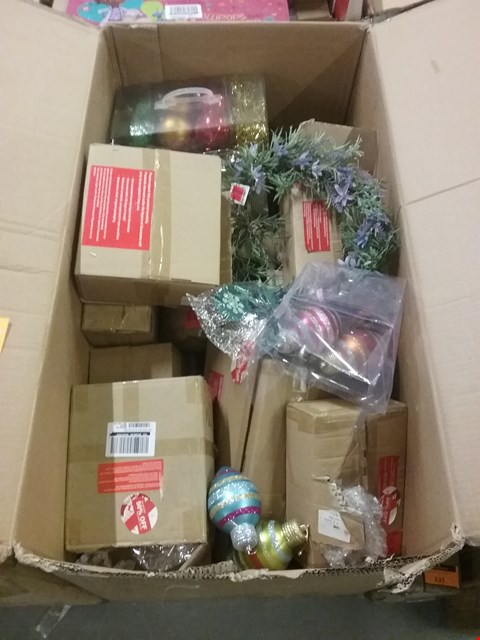Lot 137 LARGE QUANTITY BOX OF ASSORTED CHRISTMAS DECORATIONS