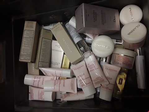 Lot 47 TRAY OF APPROXIMATELY 32 QUALITY BEAUTY PRODUCTS (tray not Included) RRP £648