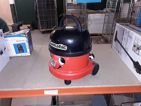 Lot 517 NUMATIC INTERNATIONAL HENRY HOOVER HVR200