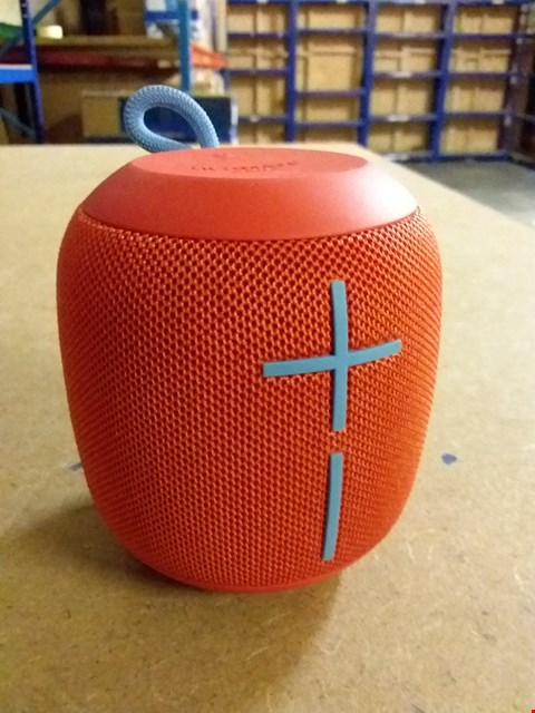 Lot 956 ULTIMATE EARS WONDERBOOM