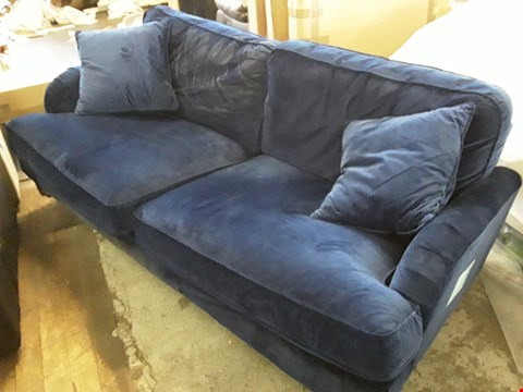 Lot 3045 DESIGNER BLUE VELVET LARGE 2 SEATER SOFA WITH CUSIONS