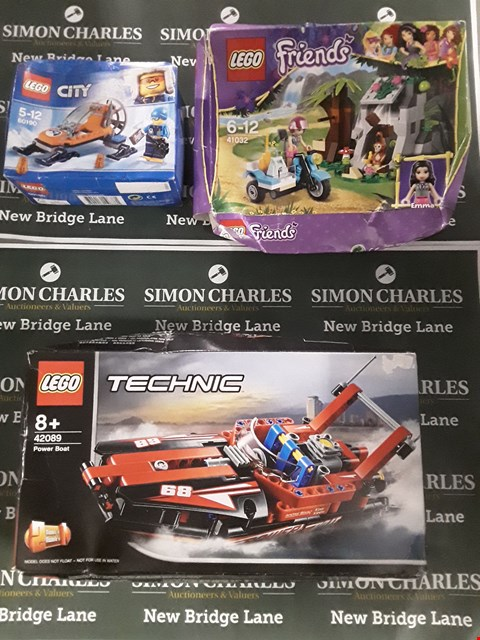 Lot 609 LOT OF 5 ASSORTED PACKS OF LEGO TO INCLUDE LEGO CITY SNOW SKI, LEGO TECHNIC POWER BOAT, 3-IN-1 LEGO CREATOR ETC