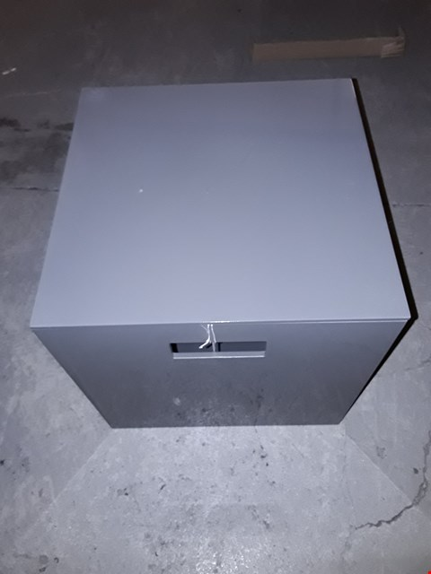 Lot 218 BOXED LARGE GREY LACQUER BOX