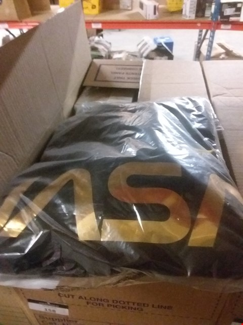 Lot 158 A BOX OF APPROXIMATELY 12 ASSORTED CLOTHING ITEMS TO INCLUDE A NASA REFLECTIVE SWEATSHIRT