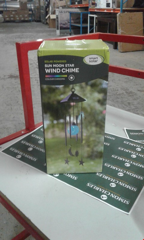 Lot 7627 GRADE 1 BOXED SMART SOLAR SUN MOON STAR WIND CHIME + SOLAR GARDEN LIGHTS