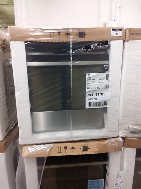 Lot 30 ELECTROLUX TOUCH CONTROL MULTIFUNCTION STAINLESS STEEL OVEN EOB8851AAX RRP £750
