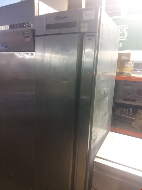 Lot 606 GRAM TALL REFRIGERATION UNIT